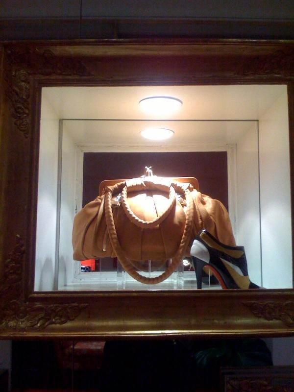 Louboutin frame